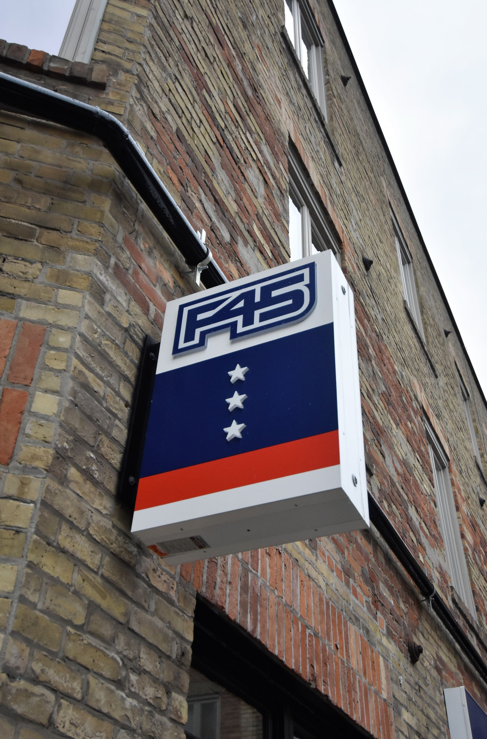 aluminum, sign, signage, led, illumination, paint finished, led bulb, F45